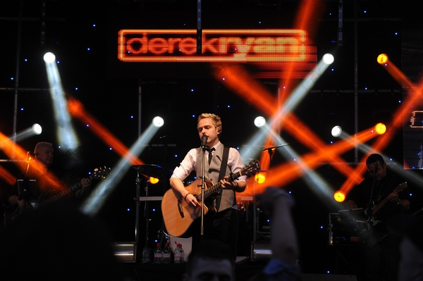 PHOTOS: DEREK RYAN CONCERT A SUCCESS